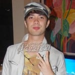 Best supporting actor Joross Gamboa, ginawang lampshade ang trophy sa Cinemalaya!