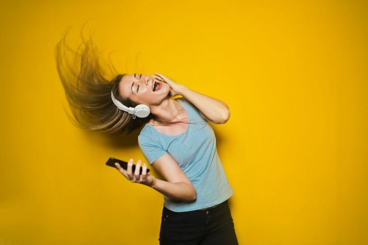 How To Stream Music on Smartphone